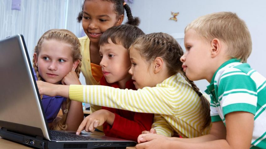 Teach Kids How To Type Using Keyboard With 5 Amazing Training Programs